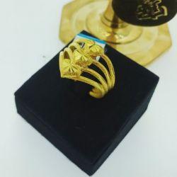 แหวน แฟนซีหัวใจเรียงสี่ก้านจิกเพชร