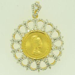 จี้เพชรเหรียญราชินีทองคำ สมเด็จพระนางเจ้าสิริกิติ์ พระบรมราชินีนาถ ฉลองพระชนมายุครบสามรอบ 12สิงหาคม2511 เพชร 3.015 กะรัต